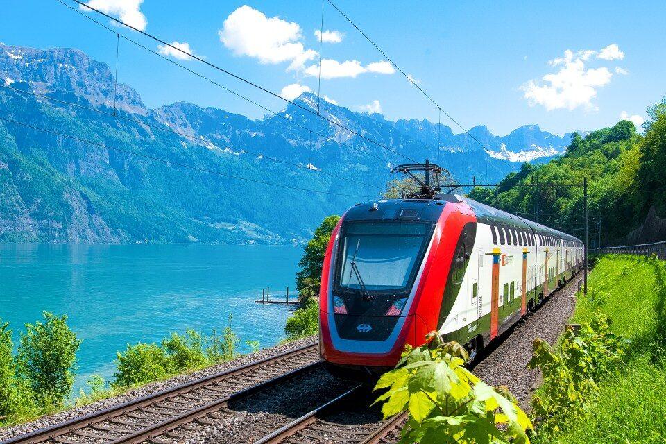 Train 3396952 1920 3686829